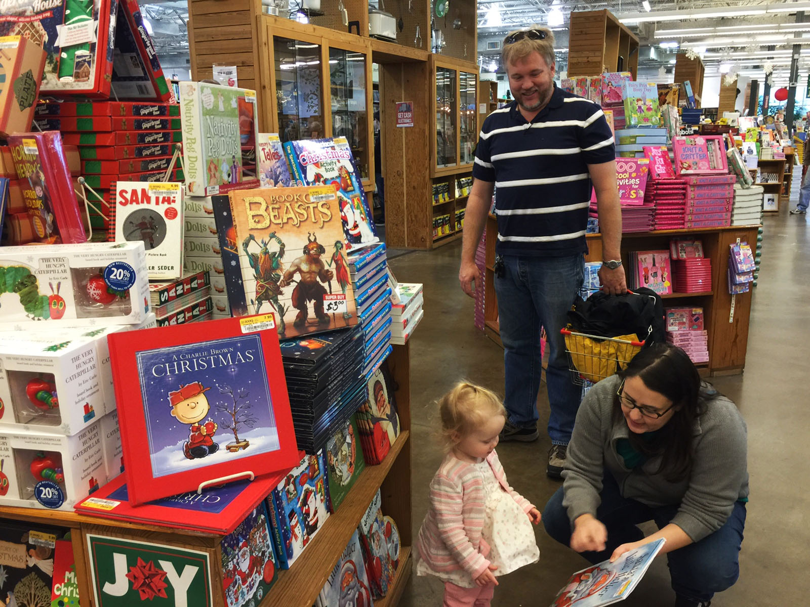 Lee Crump, his wife Glynn and daughter Eleanor on Black Friday on Nov. 27. 2015 at Half Price Books in Dallas. Photo/Courtney Collins
