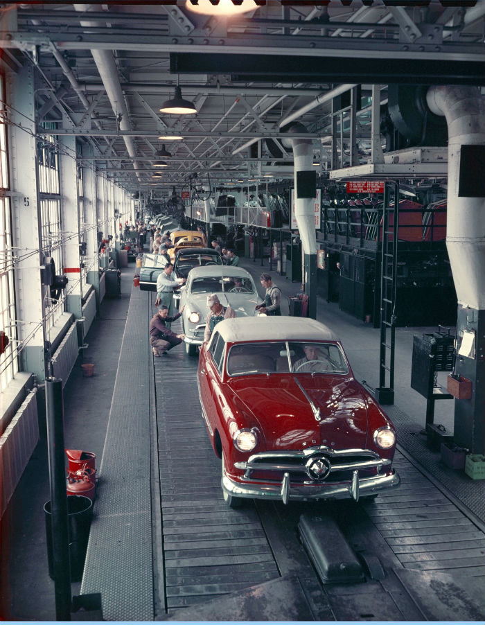 The Ford assembly line in Old East Dallas in 1949.