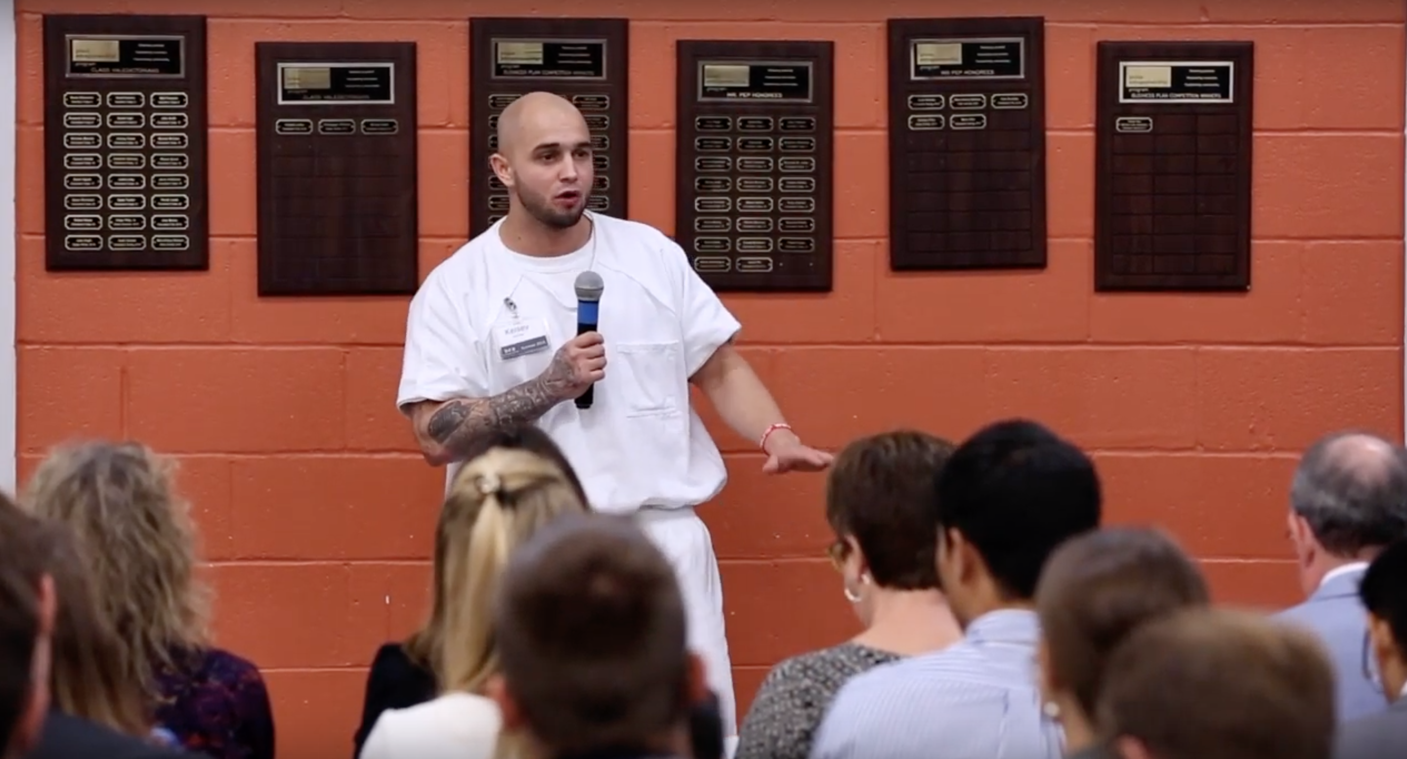 Learning Behind Bars >> Video Learning To Become A Businessman In Prison