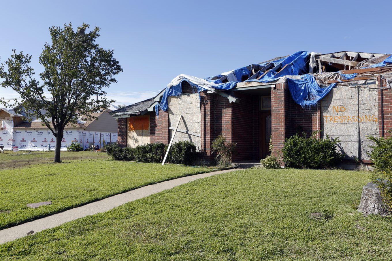 Homes across the street from Alfredo and Anthony Fowler-Rainone in Rowlett. Photo/Lara Solt