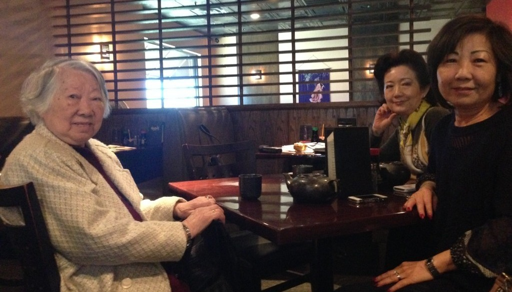 From left: Yu-ying Lee with her daughters Jen Lee and Tracy McKay at their family restaurant.