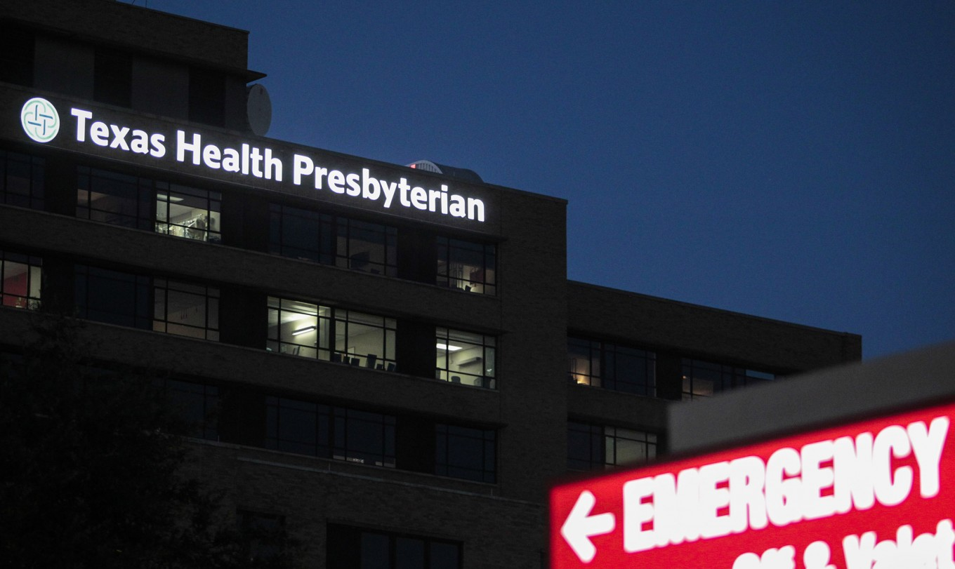 Texas Health Presbyterian Hospital in Dallas on the evening of Wednesday, Oct. 1, 2014.  (Jim Tuttle/The Dallas Morning News)